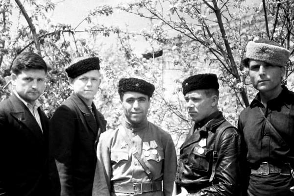 От Советского Информбюро: 13 апреля 1944 года